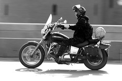 IMG_1223 (pataparat) Tags: люди people мотоцикл moto motocycle motorrad motocicleta motocicletta motorcykel motorfiets motorsykkel motocykl μοτοσικλέτα motosiklet mc bike biker rocker байкер москва moscow moscú moskau moscó μόσχα russia rusia russland canon450d 200l honda hondashadow street road bridge bw motorista motociclista motocyklista motocycliste motorcyklist motorsyklist motorrijder μοτοσικλετιστήσ mótorhjólamaður gluaisrothar moottoripyöräilijä motorcu motosikletçi オートバイ 오토바이 摩托车 मोटरसाइकिल moottoripyörä motoċikletta mótorhjól אופנוע دراجةنارية موتورسیکلت motorsiklo muturi alupupu מאָטאָציקל isithuthuthu baidhsagalmotair ਮੋਟਰਸਾਈਕਲ मोटरसाइकल