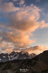 Derniers rayons sur l'Oisans (Hervé D.) Tags: oisans ecrins meije rateaunmontagne mountain sunset coucherdesoleil alps alpes hautesalpes 05