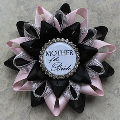Bridal shower pins in black and pink! https://t.co/Ug2tW88b4U #etsy #wedding #gift #bridalshower #party https://t.co/XR6BuJjRoz (petalperceptions.etsy.com) Tags: etsy gift shop fashion jewelry cute