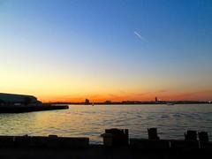 Apogee (Cutting Monkey) Tags: sky sea ocean bostonharbor sunset dusk water reflection