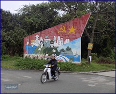 Vietnam, Hue City Patriotism 20180212_155831 DSCN3140 (CanadaGood) Tags: asia asean seasia vietnam vietnamese hue sign tree people person canadagood 2018 thisdecade color colour