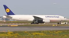 Boeing 777 -FBT LUFTHANSA CARGO D-ALFA 41674 Francfort mai 2018 (Thibaud.S.) Tags: boeing 777 fbt lufthansa cargo dalfa 41674 francfort mai 2018