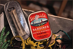 Forty-year-old leftovers (Felip1) Tags: 18816527b sardines fairhaven nb
