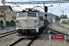 251.005.     La Robla (Andreu Anguera) Tags: ferrocarril tren estació larobla león 251005 carbonero andreuanguera