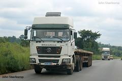 JV-2018-08-02-030 (johnveerkamp) Tags: trucks transport cote divoire ivory coast
