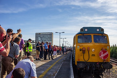 Attracting the Crowds... (Ruvaneth Unys Photography.) Tags: hoover crowds spoters enthusiasts 50011 50006 50007 50049 centurion defiance neptune hercules plymouth devon laira mutley railways intercity house br blue largelogo logo large