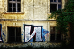 N (Alfred Grupstra) Tags: window architecture old buildingexterior facade wallbuildingfeature architectureandbuildings builtstructure urbanscene graffiti oldfashioned nopeople house dirty outdoors colorimage abandoned vandalism rundown architecturaldetail ohrid macedonia urbex