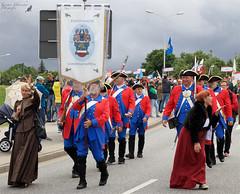 Stadtsoldaten Hansestadt Rostock (unicorn 81) Tags: canonef2470mmf28liiusm stadtstaaten festumzug hansestadtrostock uniform people rostock deutschland norddeutschland