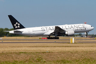 N78017, Boeing 777-224ER, United Airlines(Star Alliance livery)