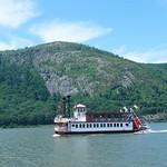 Boat on the Hudson thumbnail