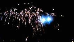 Fireworks -Waterfront Festival 2018 (Maenette1) Tags: fireworks waterfrontfestival2018 greatlakesmemorialmarina menominee uppermichigan flicker365 allthingsmichigan absolutemichigan projectmichigan