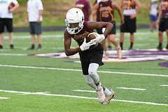 Opening drive (AppStateJay) Tags: 7on7 athlete athletics football game games gryphons highschool june2018 owen sport tjca thomasjeffersonclassicalacademy nikon d500 tamron70200mmf28dildifmacro tamron70200mmf28 north henderson