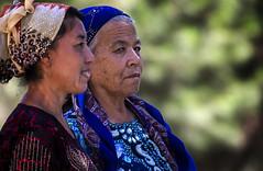Uzbek Women Visiting Bibi-Khanym Mosque, Samarkand (El-Branden Brazil) Tags: bibikhanymmosque madrassa samarkand uzbekistan asia centralasia islam mosque sacred holy