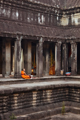 Angkor Wat – Monk (Thomas Mülchi) Tags: angkor siemreap cambodia 2018 siemreapprovince angkorwat monk person man architecture krongsiemreap kh