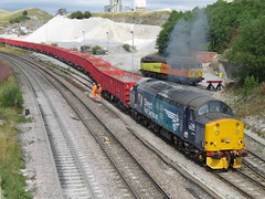 37716 Clagging nicely on a push back at Dove Holes 15/08/2018 (37686) Tags: 37716 clagging nicely push back dove holes 15082018