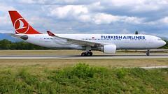 TC-JIT (Breitling Jet Team) Tags: tcjit turkish airlines euroairport bsl mlh basel flughafen lfsb