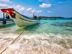 Hon Xuong, Phu Quoc, Vietnam (Kevin R Thornton) Tags: phuquoc galaxys8 landscape asia travel honxuong mobile boat samsung vietnam fingernailisland transport thànhphốphúquốc tỉnhkiêngiang vn