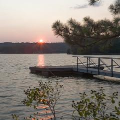 Sunset on Lake Lanier (Yer Photo Xpression) Tags: ronmayhew canoneos6dmarkii lakelanier lake water sunset tree dock