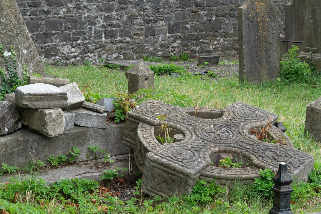 OLD CHURCHYARD KNOWN AS ST. JOHN'S [DUBLIN ROAD KILKENNY]-142926
