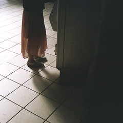 Leica CL (_markforbes_) Tags: film analogue analog 35mm streetphotography street urban streettogs photojournalism reportage documentary filmisnotdead filmneverdie filmphotography cinematic ishootfilm streetphotographer minimal minimalist bokeh melbourne colour fuji fujifilm superia400 superia leica cl rangefinder summicron 40mm summicron40