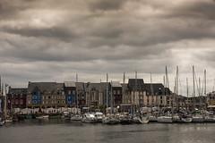 Paimpol... (De l'autre côté du mirOir...) Tags: paimpol ville port eau mer bretagne breizh brittany fr france french nikon nikkor d810 nikond810 ciel nuageux bateau côtesdarmor