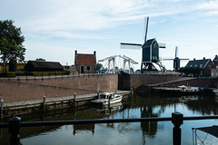2x4 (glukorizon) Tags: 52weeksof2018 boat boot bridge brug drawbridge harbour haven heusden house huis liftbridge luckyeights molen nederland noordbrabant ophaalbrug schip ship twee windmill windmolen