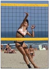 Volley Playa - 009 (Jose Juan Gurrutxaga) Tags: file:md5sum=0a75af20320d03e67749ff7bbf629a51 file:sha1sig=bce9edd57423189df8bd39d694a69ccbdfe1a8be volley playa beach hondartza boleibol voleibol semana grande zurriola donostia