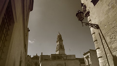 High Noon In Lecce (Coquine!) Tags: christianleyk italia italy italien lecce puglia apulia apulien tower campanile turm sepia spaghettiwestern sergioleone