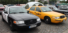 Crown Vics (Schwanzus_Longus) Tags: street mag show hannover german germany us usa america american modern car vehicle sedan saloon police law enforcement cruiser ford crown victoria interceptor cvpi los angeles department lapd ny new york city taxi yellow cab