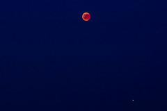 Eclipse de lune et mars (heiserge) Tags: mars france landscape ciel étoiles sky stars europe lune moon moselle villersstoncourt paysages lorraine