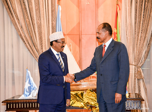 Somalia & Eritrean leaders shaking hands