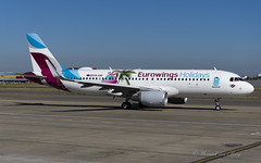 EWG_Eurowings-Holidays_A320SL_OEIQD_BRU_JUL2018 (Yannick VP) Tags: civil commercial passenger pax transport aircraft airplane aeroplane jet jetliner airliner ew ewg eurowings holidays airbus a320 320200 sl sharklets oeiqd special sticker colors colours airside tarmac apron platform taxi pushback brussels airport bru ebbr belgium be europe eu july 2018 aviation photography planespotting airplanespotting