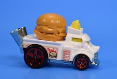 Hot Wheels Buns of Steel (FranMoff) Tags: white hotwheels cars diecast hamburger vehicles fastfoodie bunsofsteel cheeseburger frenchfries