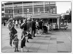 ice cream queue (gmp 61) Tags: umeå västerbotten sverige sweden olympuspenf olympus17mm18 bw blackandwhite street streetphotography
