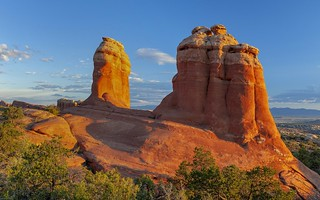 *Arches National Park @ Devils Garden sunrise*