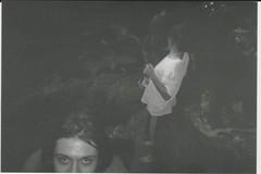 001.jpg (Tai Moura) Tags: konica vx400 preto branco black white olympustrip100r lomo lomography lomografia