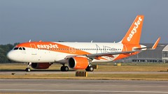 G-UZHB (AnDyMHoLdEn) Tags: easyjet a320 neo egcc airport manchester manchesterairport 23l
