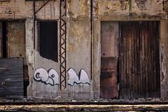 LA HAVANE : GÉOMÉTRIE SUR LES QUAIS (pierre.arnoldi) Tags: lahabana cuba pierrearnoldi artistequébécois architecture surlesquais photoderue photooriginale photocouleur photodevoyage photographequébécois photographeroninstagram photographerontumblr on1photoraw2018 canon6d