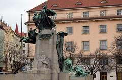 Prag - Denkmäler & Skulpturen - 1 (fotomänni) Tags: denkmal statue skulptur skulpturen sculpture prag praha prague manfredweis