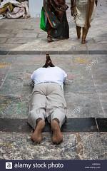 indian-male-lies-prostrate-on-the-ground-praying-at-kapaleeshwarar-H3PDHJ (Matriux2011) Tags: barefoot dirtysoles cracksoles indian nepali barefootextreme talonescurtidos piesrajados