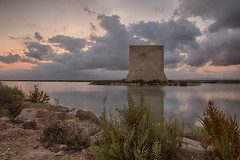 Torre Tamarit_DSC5585_HDR (FotografInstante - D.Salvador) Tags: nikon nikonflickraward nikond750 atardecer sunrise clouds nubes comunidad valenciana hdr lago landscape lake