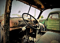 Turkey Farms (KPortin) Tags: htt truck sign deteriorated derelict spraguewa davesoldtruckrescue