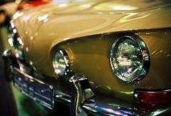 VW Karmann Ghia Type 34 (mkk707) Tags: film analog wwwmeinfilmlabde bokeh leicar7 leicasummiluxr50mm2ndmodel11776 kodakportra800 vintagelens vintagefilmcamera itsaleica oldtimer vintagecar germancameras