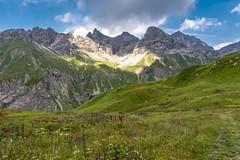 || alps || (_Jimmy_B) Tags: alpen apls kemptnerhütte berge mountains e5 wanderung hiking travel oberstdorf meran fürschieser krummenstein deutschland fernwanderweg d750 fx nikon