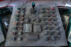 La méthode presse bouton (urban requiem) Tags: urbex urban requiem abandonné abandoned abbandonata abbandonato lost old decay usine factory lusineauboutdurouleau elsass