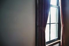 window (osanpo_traveller) Tags: japan yokohama window sony a7 oldlens nokton noktonclassic 40mm f14