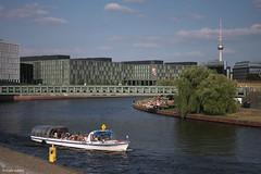 La Spree à Berlin (philippeguillot21) Tags: rivière river stream spree berlin brücke moabit allemagne capitale deutschland europe pixelistes canon