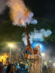 Pólvora y sentimiento (joaquinain) Tags: moros y cristianos fiestas almoradí nocturnas social calle pólvora fuego olympus omd em12 sigma