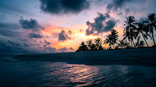 Sunset on the sea - Maldives - Travel photography