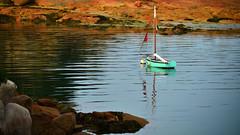 ploumanac'h (eric-foto) Tags: ploumanach côtedegranitrose côtesdarmor littoral rochers bateau bretagne breizh brittany bzh nikond800